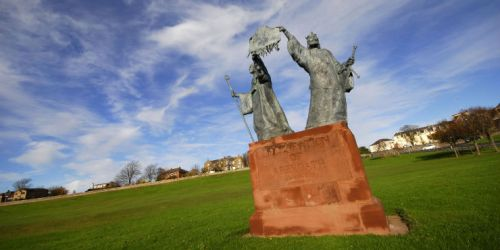 arbroath-abbey-statue